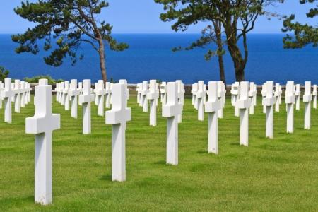 sacrificio: América cementerio de la guerra cerca de la playa de Omaha, Normandía (Colleville-sur-Mer)