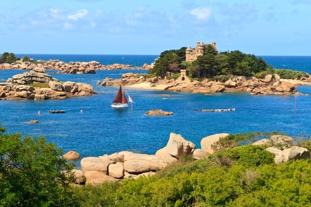 brittany: Cote de granite Rose, Brittany Coast near Ploumanach, France