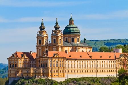 benedictine: Abad�a de Melk es una abad�a benedictina austriaca y uno de los sitios del mundo mon�sticos m�s famosos Foto de archivo