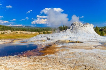 erupt: Castle Geyser, Yellowstone National Park (Upper Geyser Basin), Wyoming