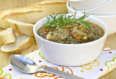 牛肉の野菜スープのボウル