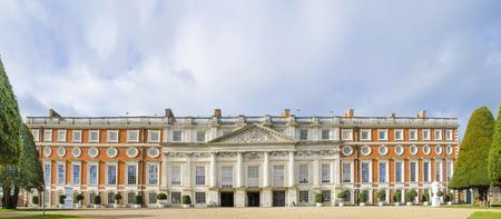 manor house: Hampton Court Palace, Kingston, london, England, panorama Editorial