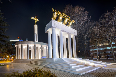 monument of heroes skopje macedonia