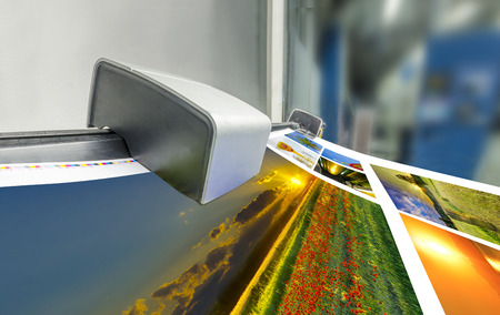 offset machine press print run at table, fountain key color management spectrophotometar control unit photo