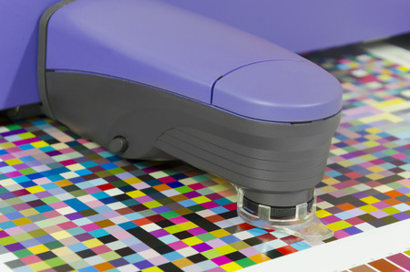 spectrophotometer: spectrophotometer measures color patches on Test Arch, Press shop prepress department