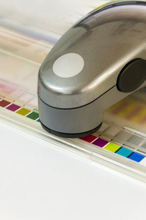 screen print: Press color management spectrophotometer device unit control - offset print