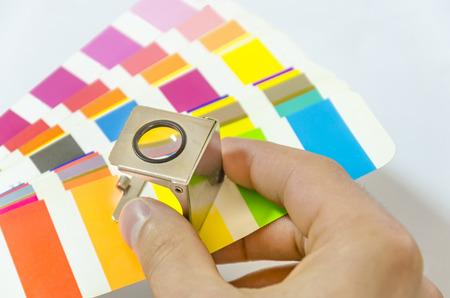 Farbmanagement in der Druckproduktion Standard-Bild - 34084223