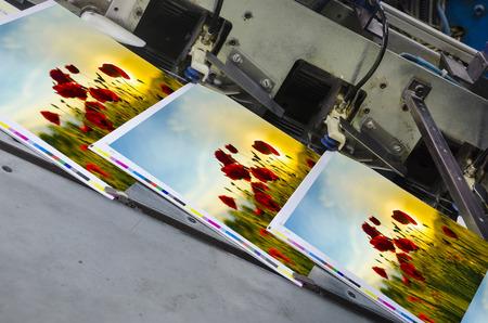 imprenta: desplazamiento unidad de m�quina de la prensa con la revista en crudo