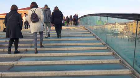 timelapse: TIMELAPSE of Tourists at Constitution Bridge in Venice. UHD stock video
