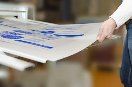 Drukkerij - Computer voor plaatafdeling. CTP is een beeldvormingstechnologie die wordt gebruikt in drukprocessen