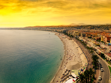 Famous promenade des anglais in Nice, France, at sunset from above Standard-Bild - 109456059