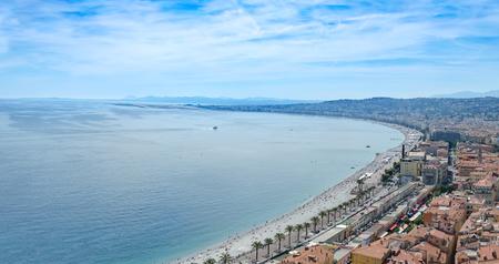 Panoramic view of the sea coast in Nice, France Standard-Bild - 109498064