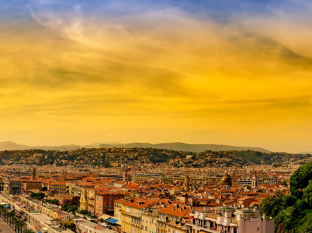 Panorama of City of Nice at sunset Banque d'images - 109537037