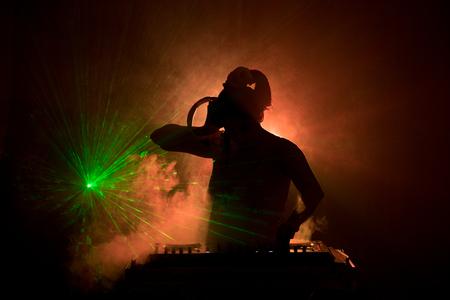 DJ Spinning, Mixing Stockfoto