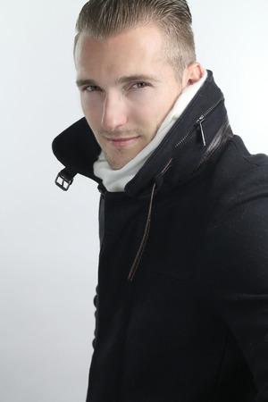 modelos hombres: estilo de invierno - var�n hermoso