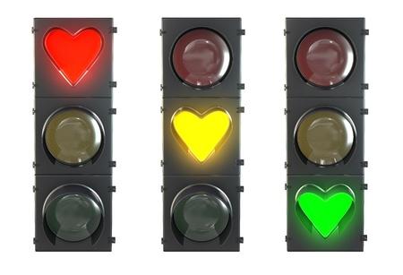 Set Ampel mit herzförmigen roten, gelben und grünen Lampen auf weißem Hintergrund