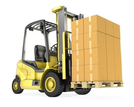 carretillas almacen: Un camión amarillo de elevación tenedor con gran pila de cajas de cartón, aislados en fondo blanco Foto de archivo