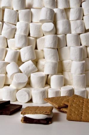 graham: smore chocolate graham crackers and marshmallows Stock Photo