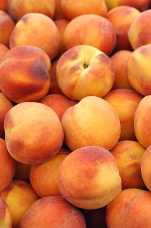 peaches for sale at the market