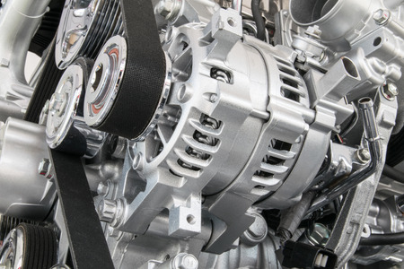 mecanica industrial: Motor de coche primer plano Parte del motor del coche