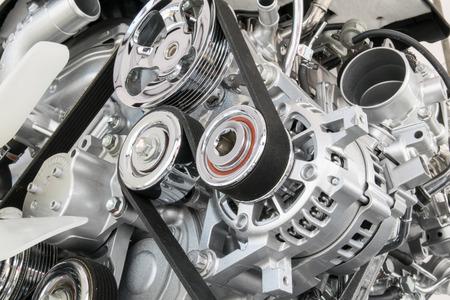 siderurgia: Motor de coche primer plano Parte del motor del coche