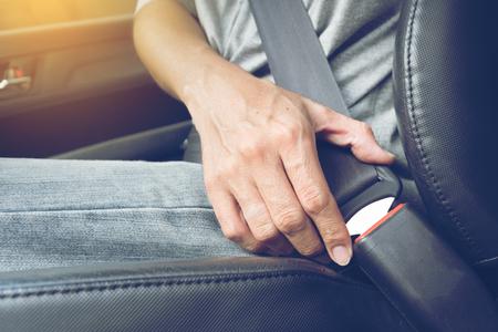 cinturon seguridad: Fasten the car seat belt. Safety belt safety first
