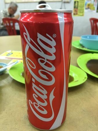 コカ ・ コーラ缶 写真素材