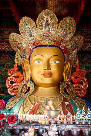 bouddha: Sculpture de Maitreya bouddha au monast�re Thiksey monast�re bouddhiste tib�tain au Ladakh en Inde Jammu-et-Cachemire
