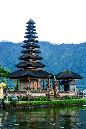 bratan: Pura Ulun Danu Bratan Hindu temple on Bratan Beratan lake Bali Indonesia