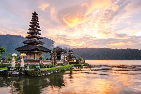 bratan: Pura Ulun Danu Bratan Hindu temple on Bratan lake Bali Indonesia