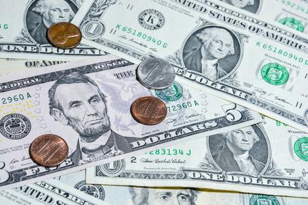 dollar: Dollaro americano con le monete