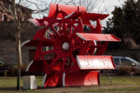 Water wheel of a paddle steamer in red 免版税图像