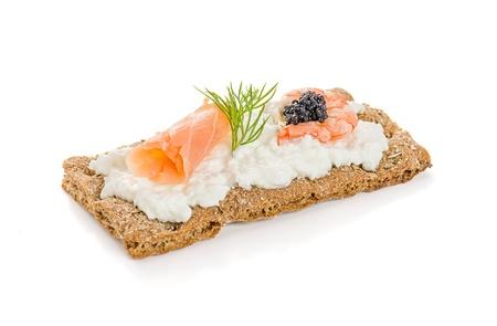 crispbread: Pane croccante con salmone e gamberetti Archivio Fotografico