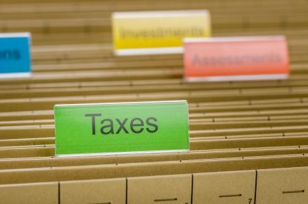 retour: Opknoping map gelabeld met belastingen