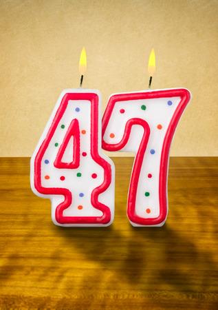 geburtstagskerzen: Brennende Kerzen Geburtstag Nummer 47