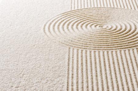 直線と円と砂します。 写真素材