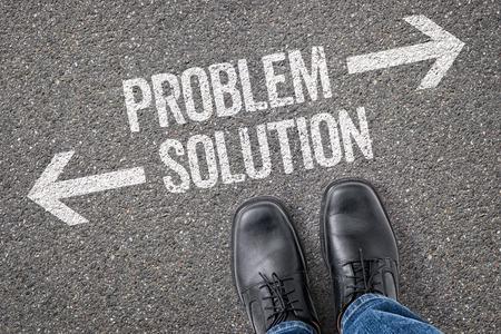 crossroad: Decisi�n en una encrucijada - Problema o soluci�n Foto de archivo