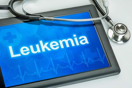 leucemia: Tablet con el diagn�stico de la leucemia en la pantalla