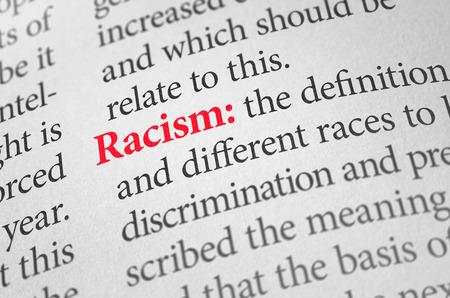 discriminacion: Definici�n de la palabra racismo en un diccionario