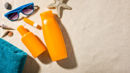 auszeit: Beach accessories with copy space Stock Photo