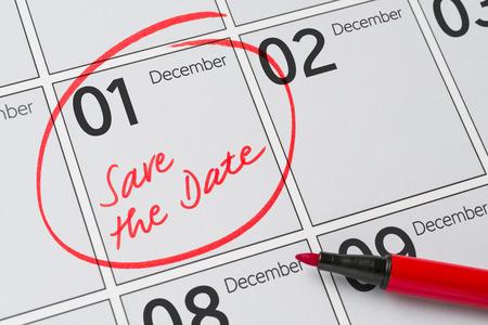 calendario diciembre: Save the Date written on a calendar - December 1