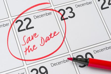 calendario diciembre: Save the Date written on a calendar - December 22 Foto de archivo