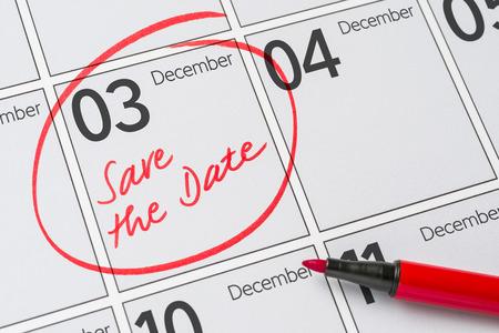 calendario diciembre: Save the Date written on a calendar - December 03