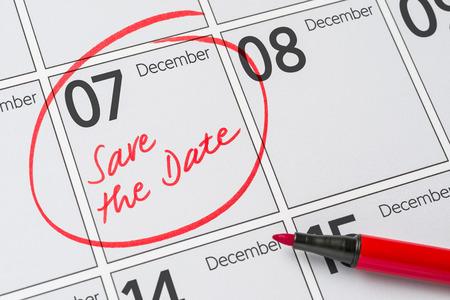calendario diciembre: Save the Date written on a calendar - December 07 Foto de archivo