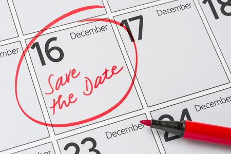 calendario diciembre: Save the Date written on a calendar - December 16