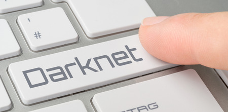 A keyboard with a labeled button - Darknet Banco de Imagens