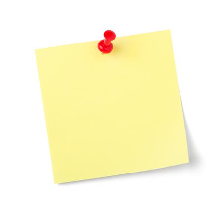 Une note collante avec copie espace sur fond blanc
