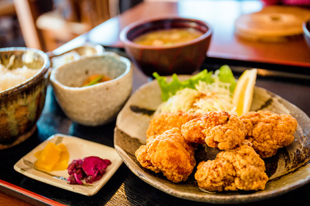 A chicken karaage set served at a Japanese restaurant called Momijitei-Hoto