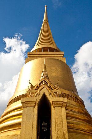 Wat Pra Kaeo Front Golden Pagoda Bangkok Thailand Stock Photo