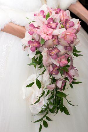 結婚式のブーケを持つ花嫁 写真素材